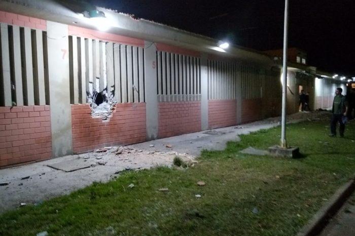 Quadrilha explode muro do Presídio de Piraquara e 28 presos conseguem fugir