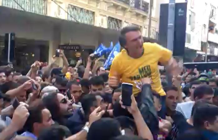 Ataque suspende temporariamente campanha de Bolsonaro