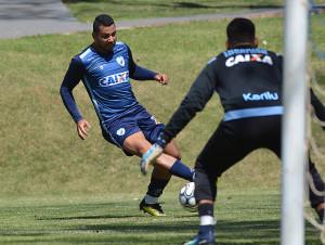 carlos henrique foto gsuatvo oliveira londrina esporte clube