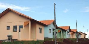 Casas em conjuntos habitacionais são financiados pela Caixa. Foto: Arquivo/Cohapar