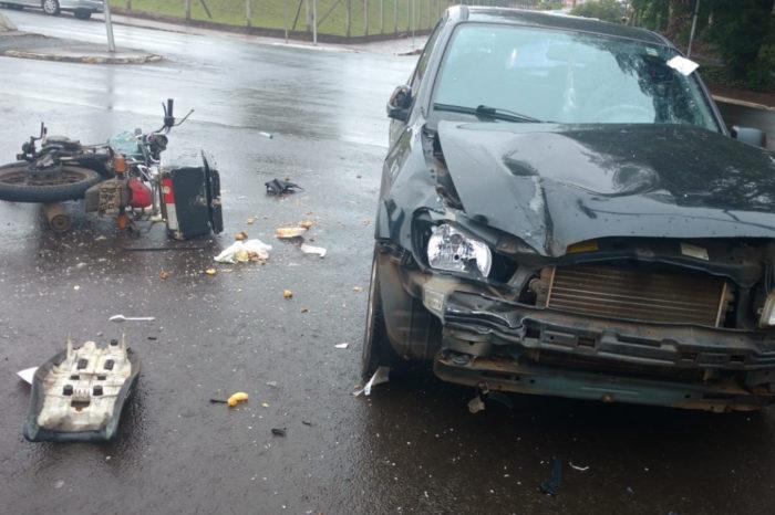 Entregador fica ferido em acidente na avenida Higienópolis