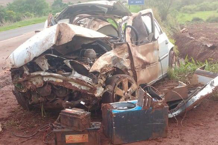 Jovem morre e outro fica gravemente ferido em acidente na PR-454