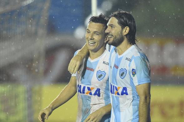 Com gol nos acréscimos, Londrina consegue vitória histórica sobre o Vila Nova