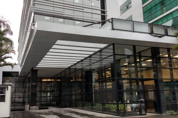 TCE-PR multa ex-gestores da Fomento do Paraná por acúmulo ilegal de cargos