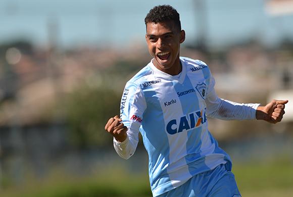 Malucelli confirma venda de Matheuzinho para o Flamengo por R$ 1,2 milhão