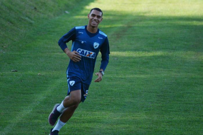 Convocado para Seleção Sub-20, Matheuzinho fala em melhor momento da vida