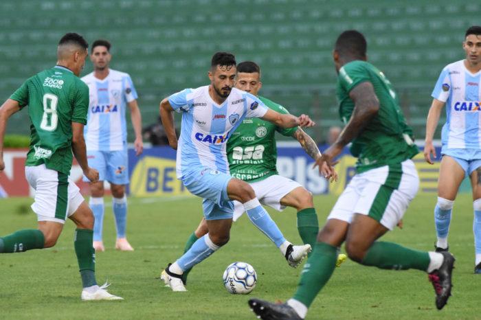 Com time misto, Londrina perde para o Guarani e termina Série B em oitavo