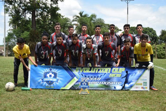Escolas de futebol em Londrina ganham destaque no Evolution Cup 2k18