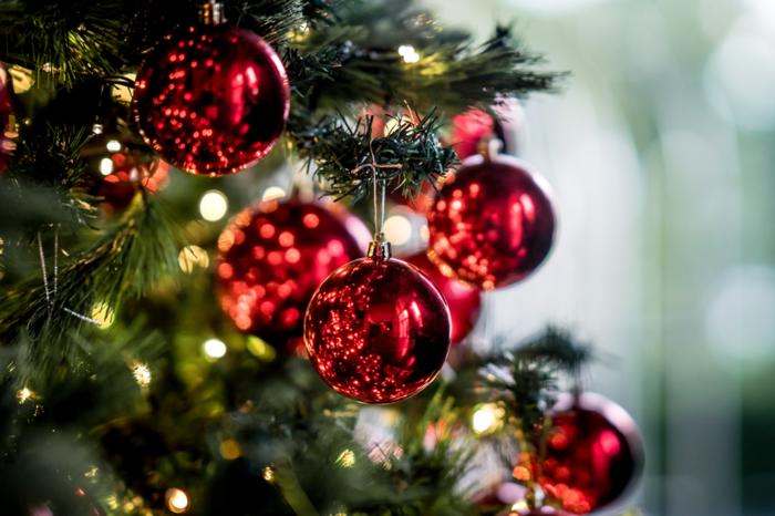 Praça da Bandeira recebe árvore de Natal com iluminação dançante