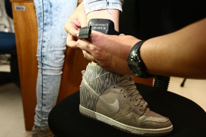 Paraná adquire 12 mil tornozeleiras para monitorar presos