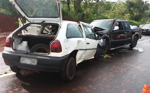 Casal morre e outro fica ferido em grave acidente na Rodovia do Café