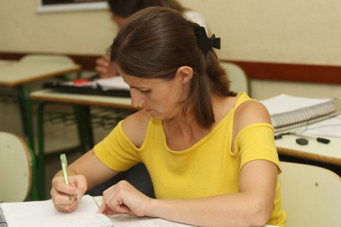 Educação de Jovens e Adultos já conta com quase 100 mil alunos