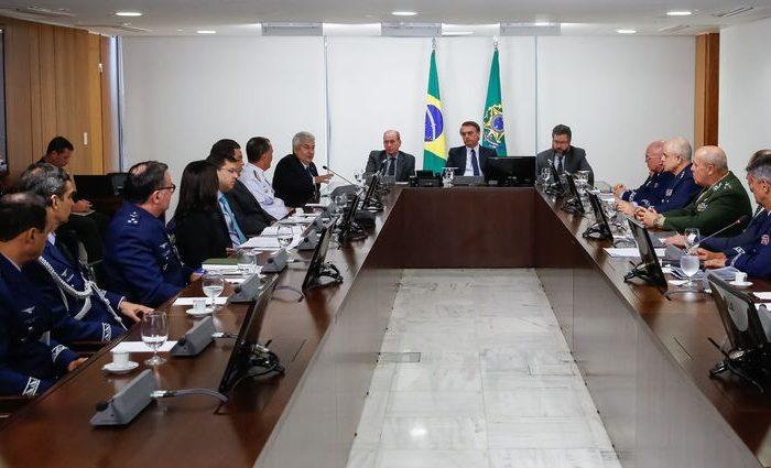 Bolsonaro diz que não se opõe à fusão da Embraer