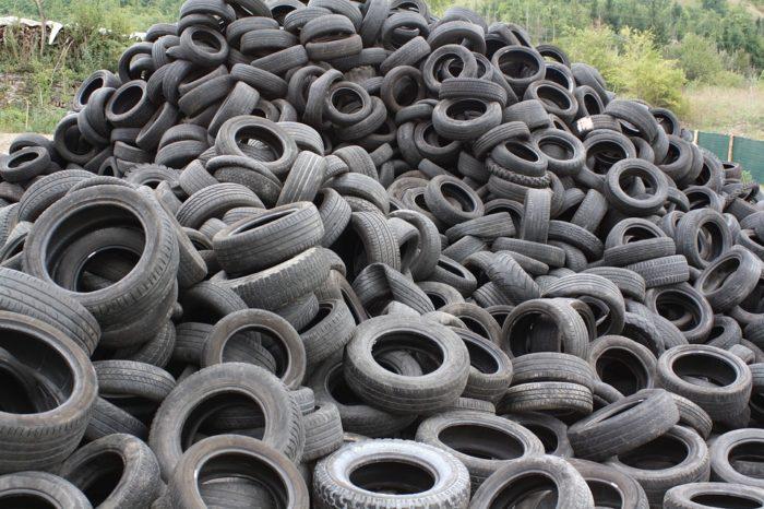 Municípios devem implantar estrutura para recolhimento de pneus velhos