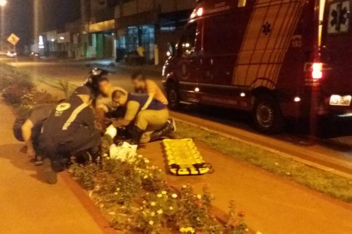 Briga entre andarilhos termina com atropelado na avenida Dez de Dezembro