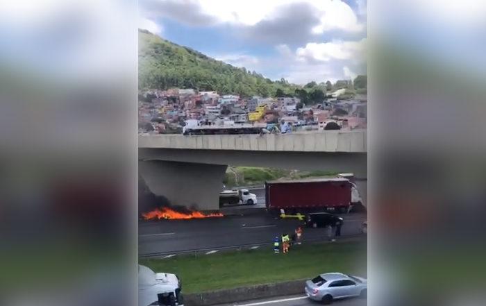 Internautas registram helicóptero em que estava Boechat pegando fogo