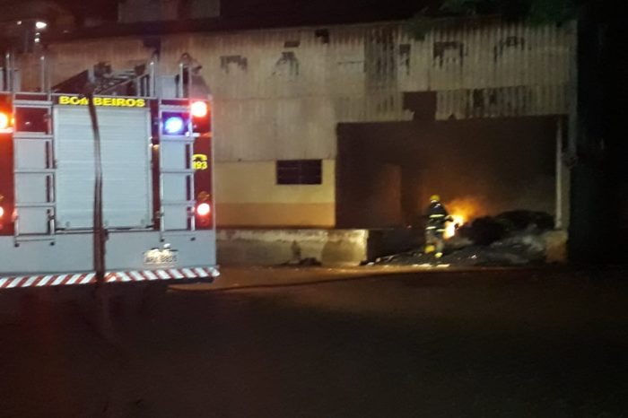 Incêndio atinge barracão do antigo IBC em Ibiporã