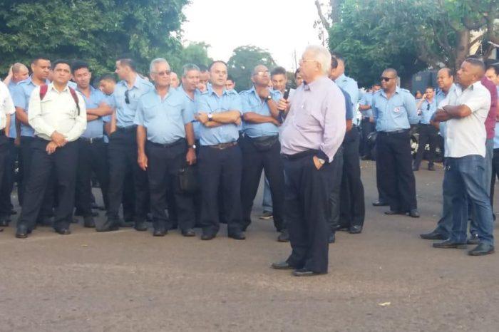 Em nova assembleia, trabalhadores do transporte coletivo decidem manter greve