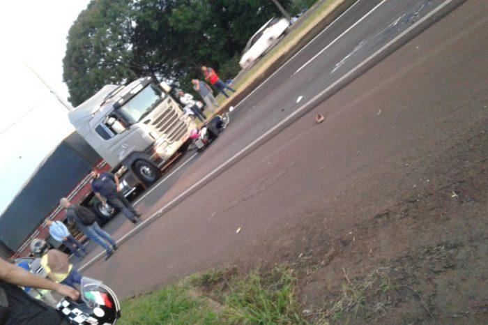 Garupa de moto morre após cair e ser atropelada por caminhão na BR-369