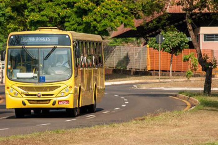 TCGL entra em acordo com funcionários e ônibus voltam a transitar