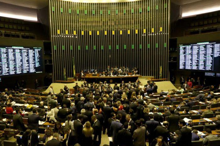 Deputados: Inclusão de estados e municípios na reforma da Previdência deve ser discutida no plenário