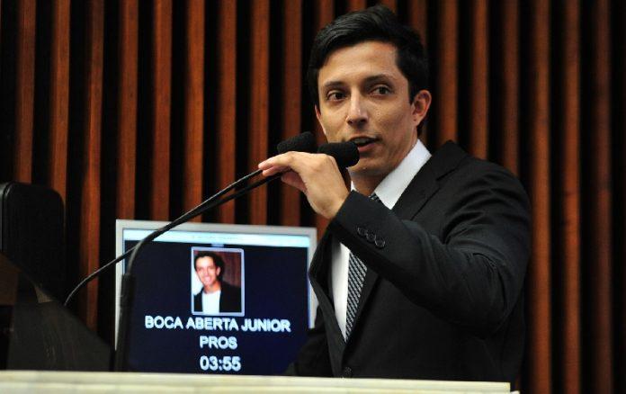 """""""É muito improvável que aconteça"""", afirma defesa sobre possível cassação de Boca Aberta Jr"""