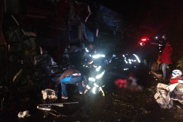 Acidente com ônibus no interior paulista deixa dez mortos