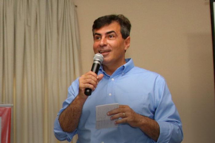 Após quedas, Marcelo Belinati apresenta melhora na aprovação e nota