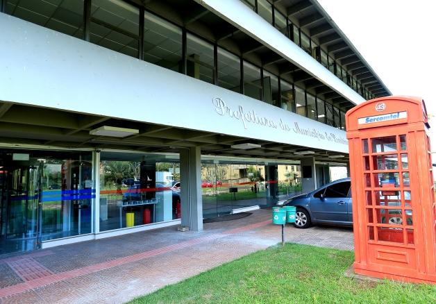 Prefeitura de Londrina promove leilão de imóveis e veículo