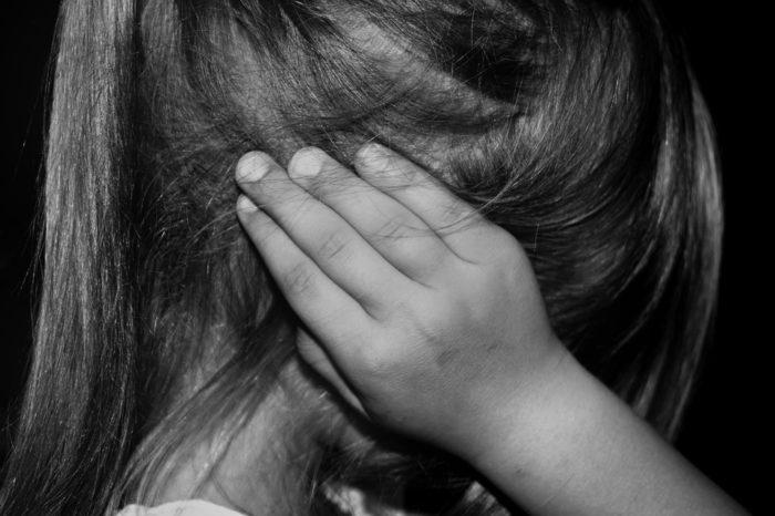 Idoso é preso acusado de estuprar neta de três anos