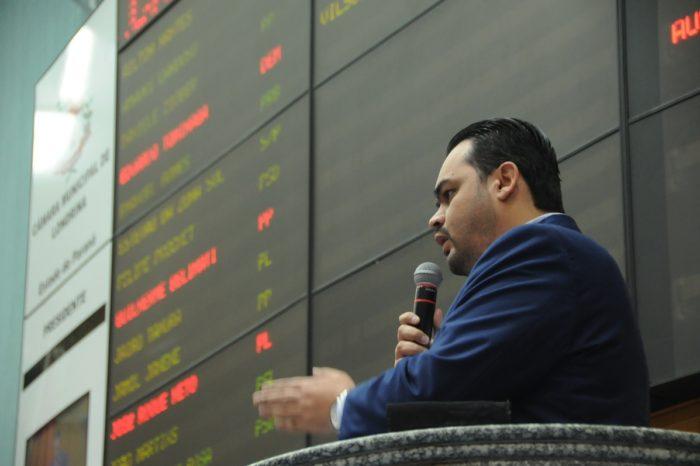 Vereador cobra secretário por UBS na zona leste após às 19h