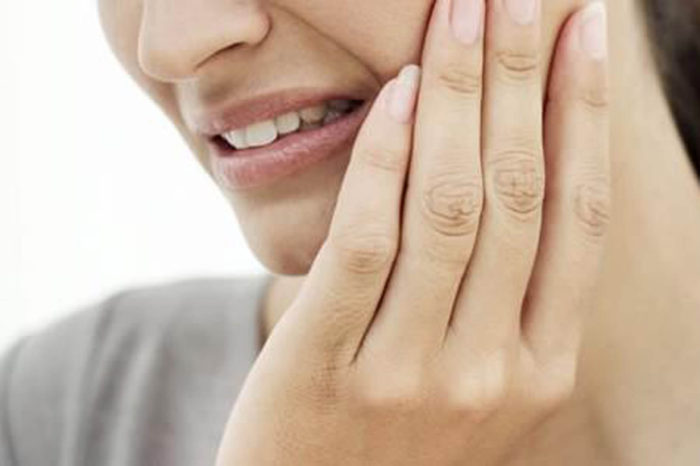 Pesquisadores recrutam pessoas com hipersensibilidade nos dentes para tratamento