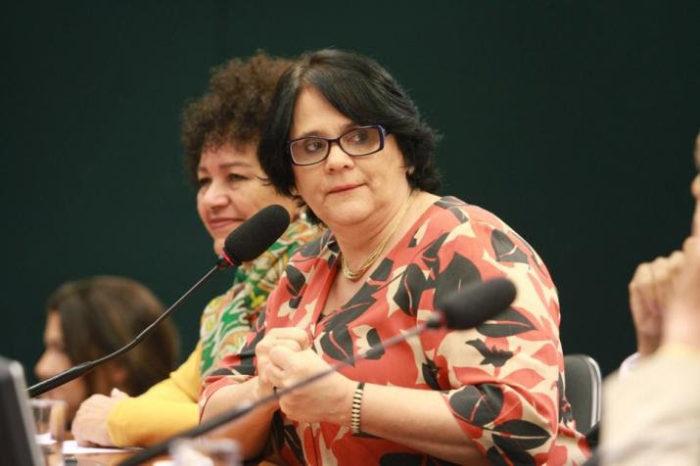 Ministra Damares Alves vai receber título de Cidadã Benemérita do Paraná
