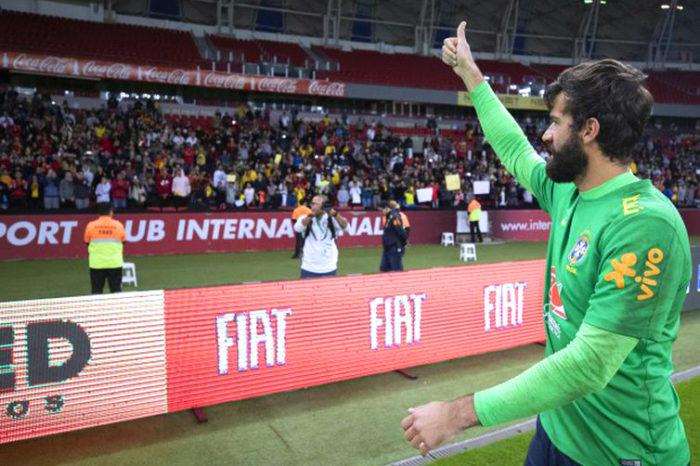 Dois brasileiros disputam título de melhor goleiro do mundo
