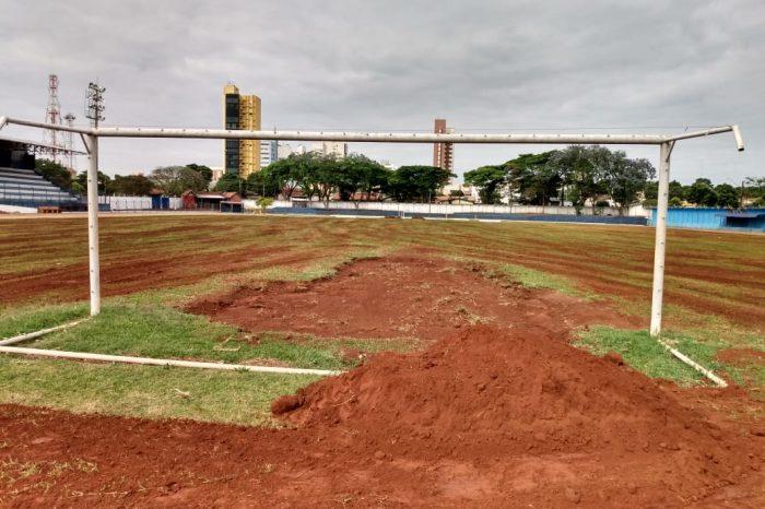 Revitalização do estádio Erich George é iniciada em Rolândia