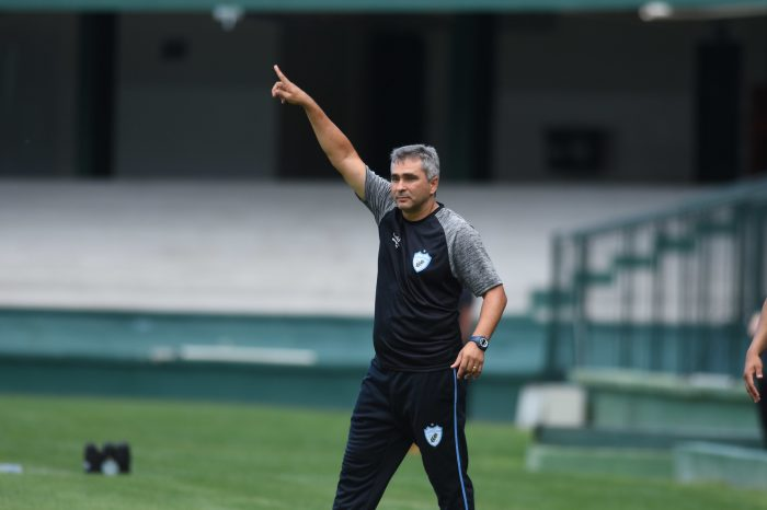 """Presidente do LEC projeta irmão Silvinho como técnico: """"Será grande pelo Brasil'"""
