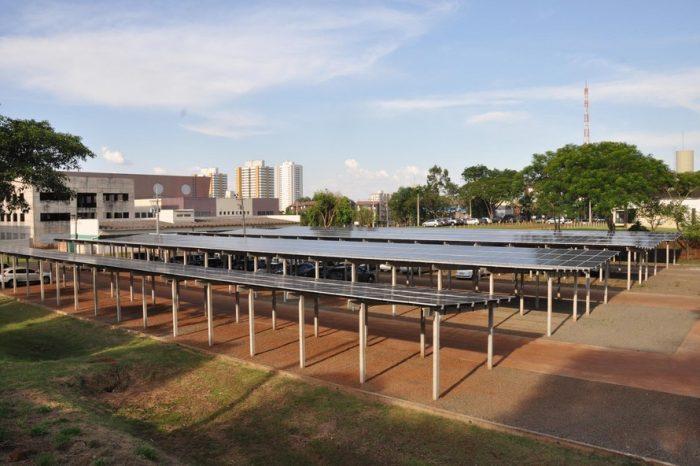 UEL inaugura primeira usina de energia solar de Londrina