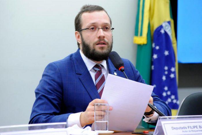 Diretório Nacional do PSL confirma punição a Filipe Barros e outros 17 deputados