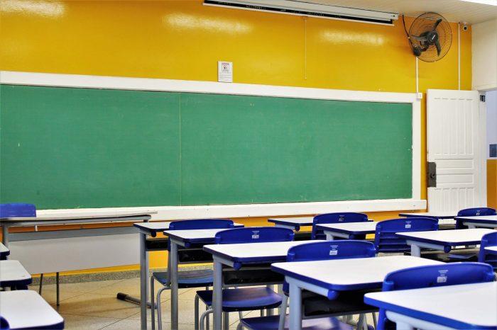 """""""Por enquanto, ainda não"""", diz Belinati sobre retorno às aulas"""