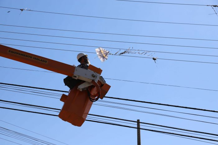 Copel alerta para os perigos de pipas perto da rede elétrica