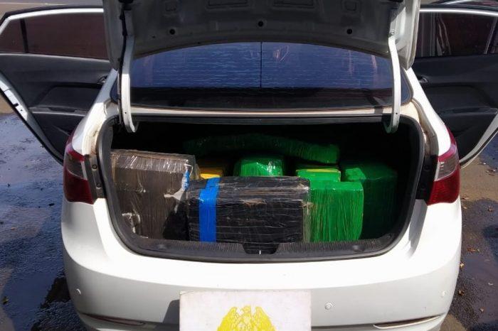 Carro roubado em Londrina era usado para transporte de maconha