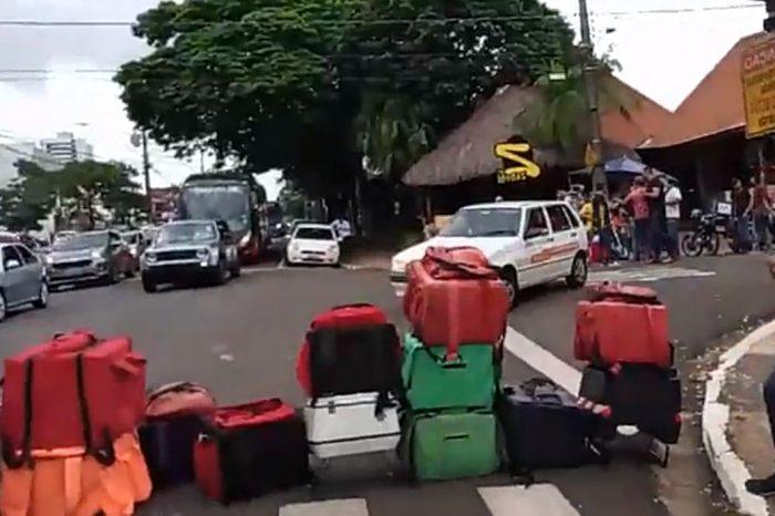 Motoboys de aplicativos protestam por melhora nas taxas em Londrina
