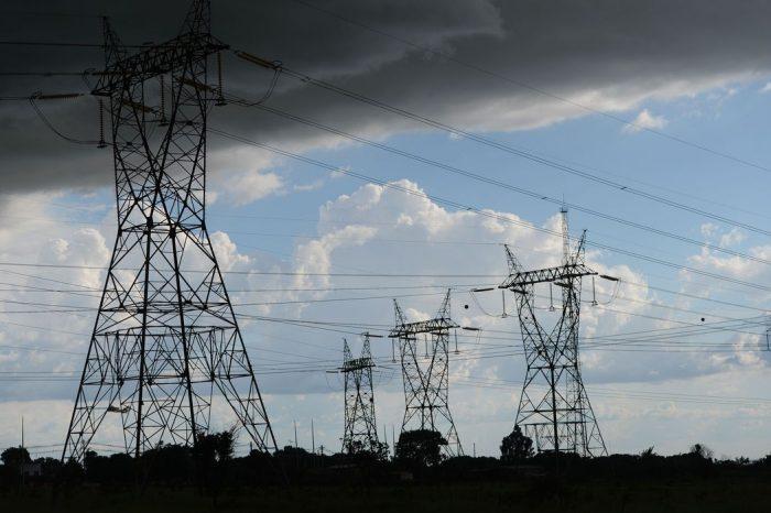 Aneel suspende o corte de energia por falta de pagamento por 90 dias