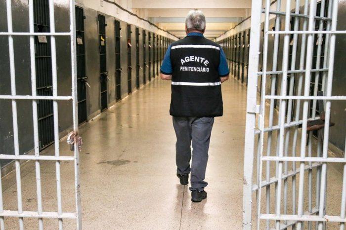 Estado vai contratar 1.394 guardas prisionais com salário de R$ 3 mil