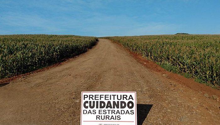 Agricultura promete melhorar estradas de Maravilha e Três Bocas com resíduos de construção