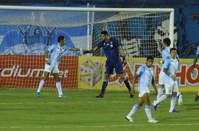 Dalton defende pênalti e LEC fica no empate com o Criciúma na estreia