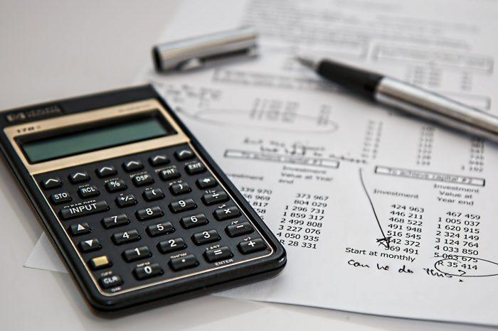 Quase metade dos paranaenses vai usar o 13º salário como reserva financeira ou investimento
