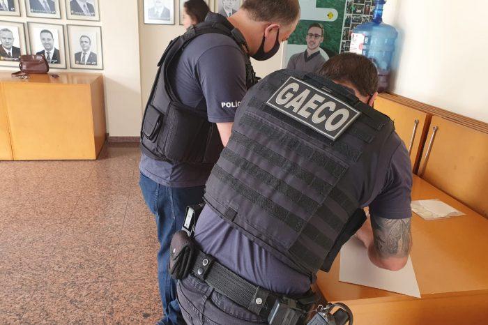 Gaeco cumpre mandados de prisão contra vereadores de Ponta Grossa investigados por fraude