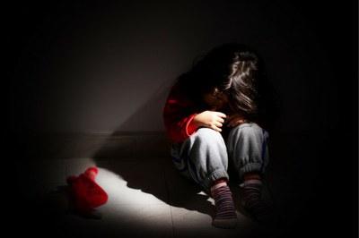 Polícia Civil prende homem por estupro de crianças de 6 e 9 anos em Londrina