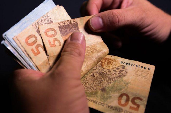 Arrecadação de impostos em janeiro somou mais de R$ 180 bilhões